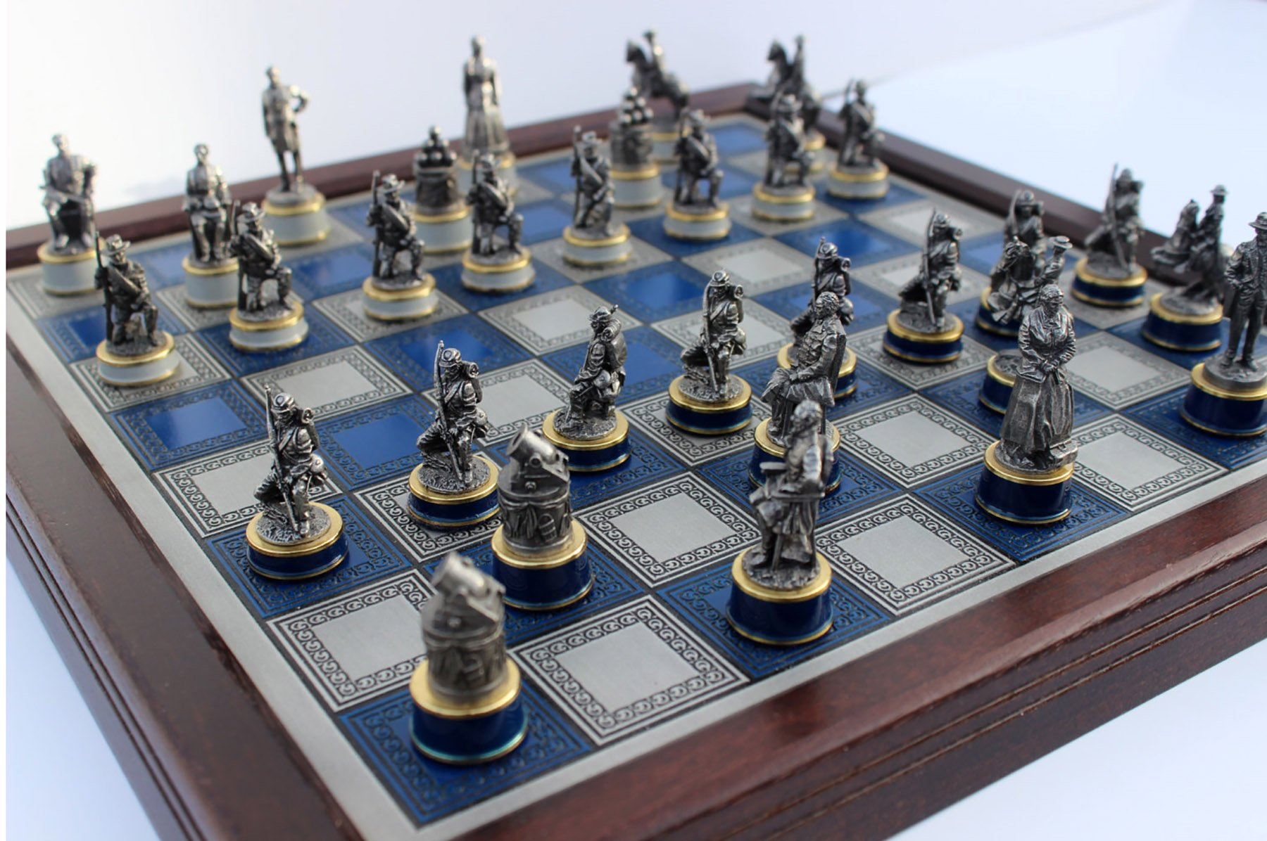 The civil war chess set by franklin mint - The chessmen chess set ...