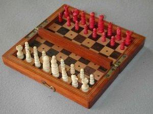 Saint George Bone Travel Chess