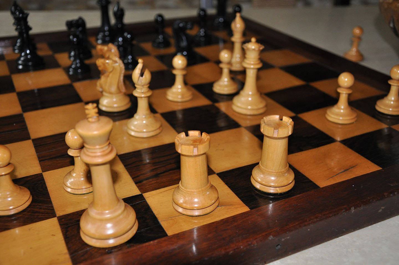 Ayres Antique Staunton Chessmen