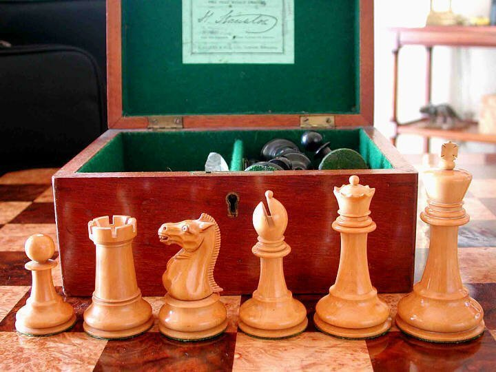 Jaques Tournament Size Marshall Chessmen