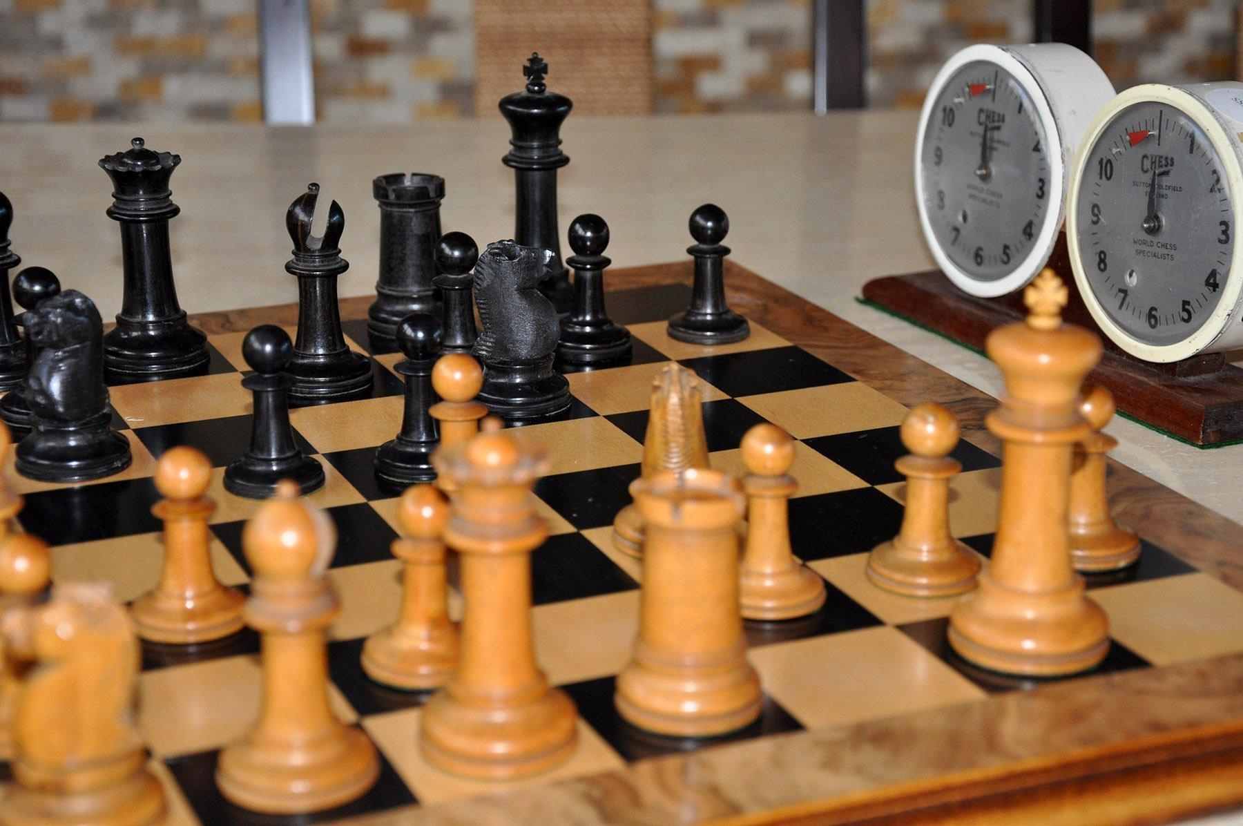 """Antique Type 10 Staunton Chess Set, 3-0"""" King"""