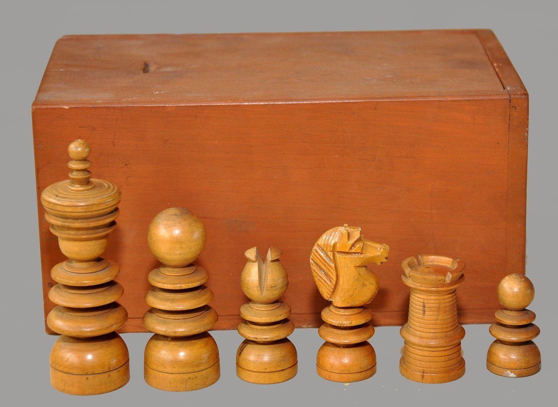 Saint George Boxwood and Ebony Chessmen