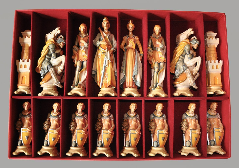 Gardena Art Pyrenees Chessmen