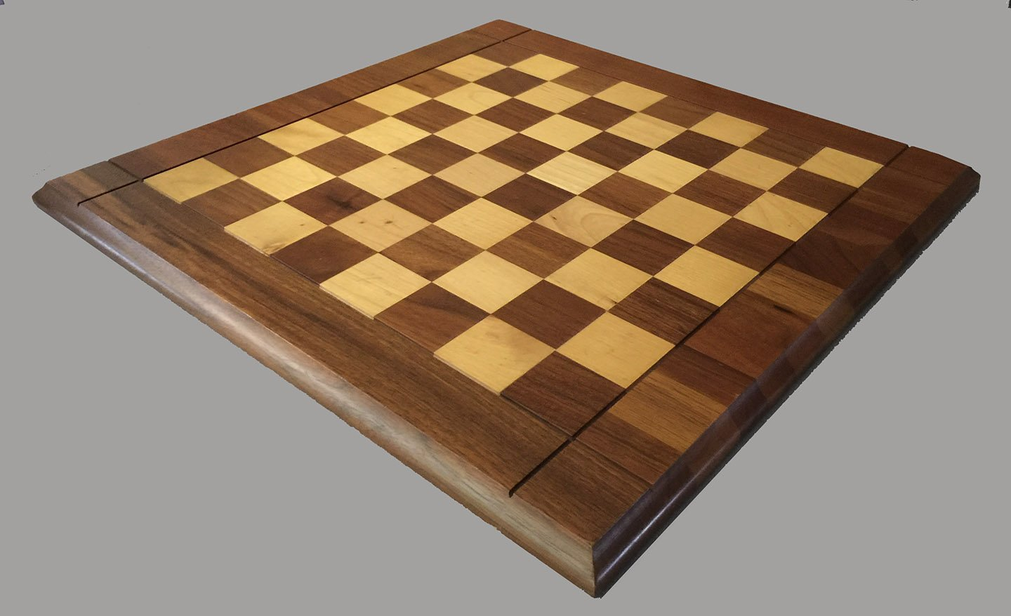 Drueke Chessboard Walnut And Maple 18 Quot Square