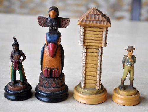Anri Far West Chess Set
