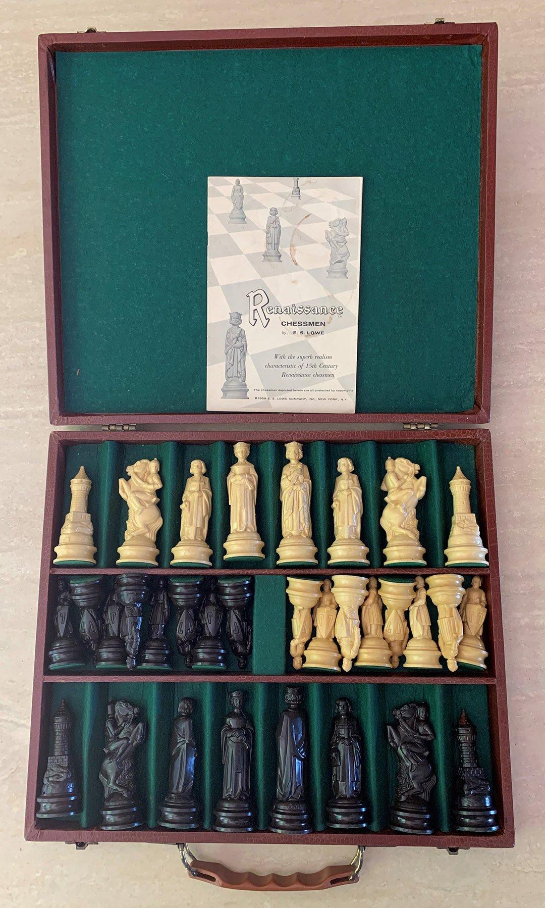 E. S. Lowe Renaissance Chessmen, Presentation Set