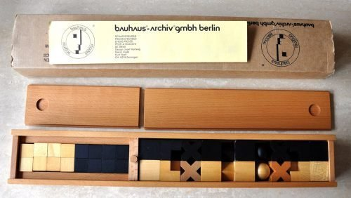 Bauhaus Hartwig Abstract Chess Set