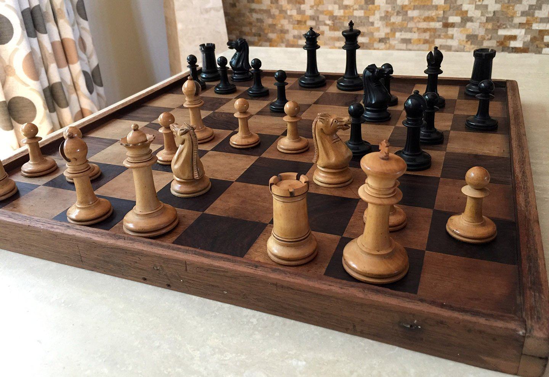 Antique Type 10 Staunton Tournament Chessmen