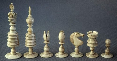Large Type II English Barleycorn Open Crown Chessmen