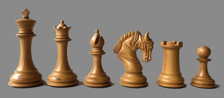 Salerno Artisan Staunton Chessmen