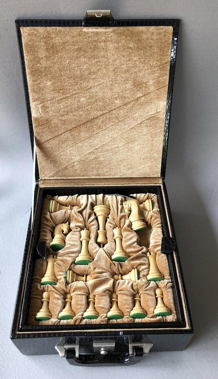 Zagreb 1959 Style Chessmen