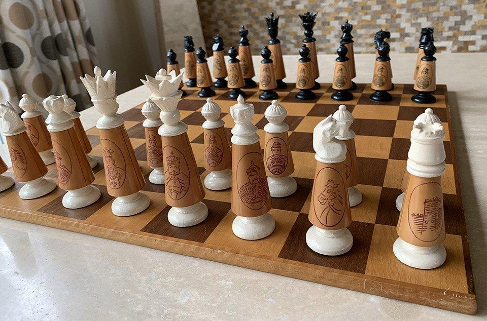 Chinese Upright Chessmen