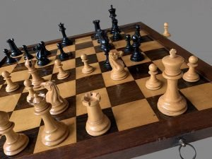 Full Club Size Jaques Paulsen Chessmen