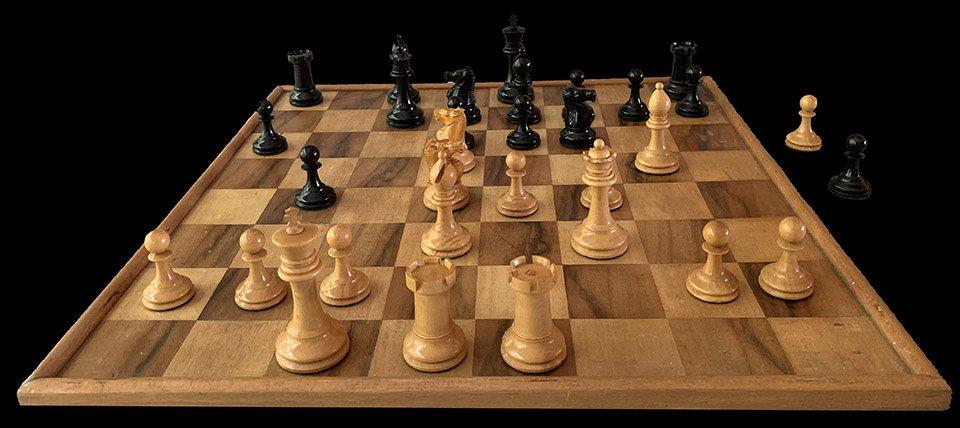 Antique Ayres Library Size Chessmen, Richard Whitty Box