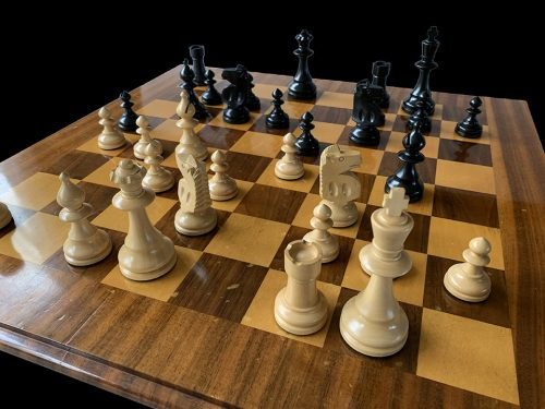 Reproduction William Pinney Club Size Chessmen