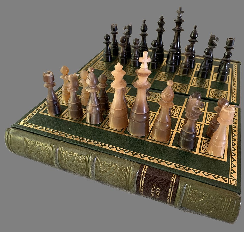 Buffalo Horn Chess Set