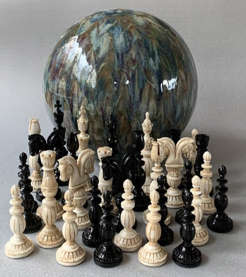 Janus-Springer Chessmen