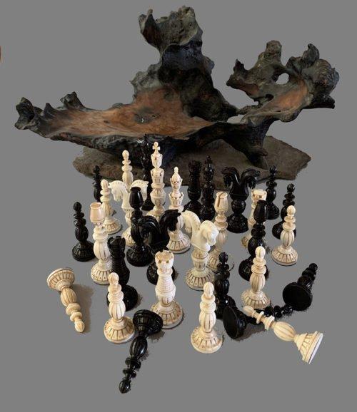 Zweispringer Chess Set