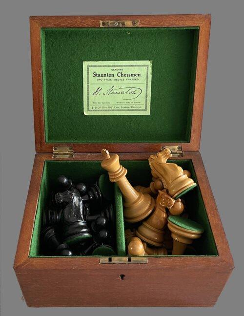 Jaques Tournament Broadbent Chessmen