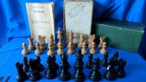 C:\Users\Frank\Pictures\Graphics\Pams_Chess Sets\IMG_20180113_162603.jpg