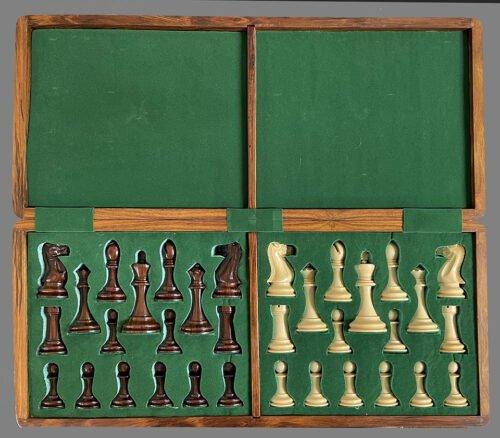 Hartston Style Staunton Chessmen, Small Club Size
